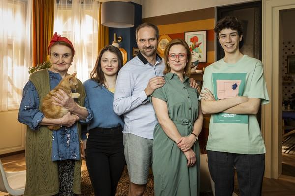 Občanka: Eva Holubová, Amálie Roznětínská, Petr Vršek, Petra Špalková a Daniel Žižka (foto: ČT)